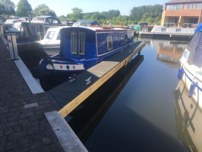 Jetty refurbishment at Tewitfield Marina